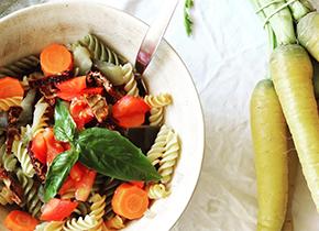 Fusilli aux légumes, huile d'olive et parmesan